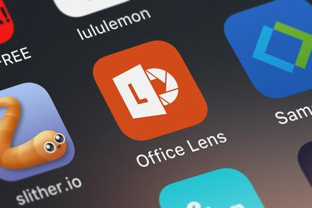 London, United Kingdom - September 29, 2018: Screenshot of the Office Lens mobile app from Microsoft Corporation icon on an iPhone. 에디토리얼