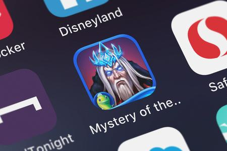 London, United Kingdom - October 05, 2018: Icon of the mobile app Mystery of the Ancients: Deadly Cold HD - A Hidden Object Adventure from Big Fish Games, Inc on an iPhone. Archivio Fotografico - 119787007