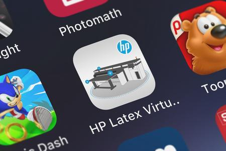 London, United Kingdom - October 05, 2018: Screenshot of the HP Latex Virtual Demo mobile app from HP Inc. icon on an iPhone. Publikacyjne