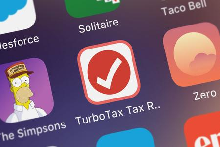 London, United Kingdom - October 07, 2018: Screenshot of the mobile app TurboTax Tax Return App from Intuit Inc.. Publikacyjne