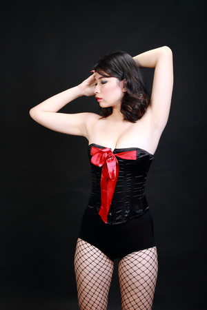 hot breast: Женщина в нижнем белье черном фоне