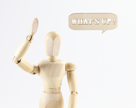marioneta de madera: Figura de madera t�tere con lo que est� encima de la muestra palabra sobre fondo blanco