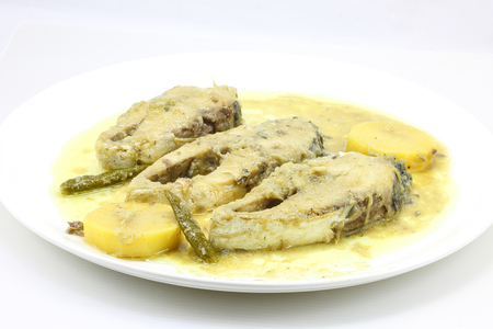 manjar: Mustard Hilsha Fish Shorshe Ilsish curry delicacy cuisine Bengali Foto de archivo