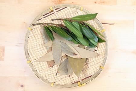 Bay leaf herb spice fragrant aromatic fresh raw dray