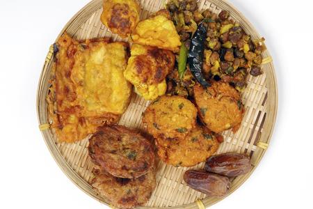 iftar set Piaju pakora beguni black chickpeas ghugni potato chop dates snack fried food