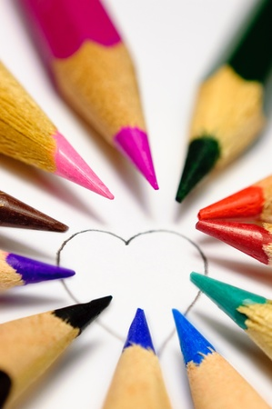 The heart contour, which can paint everyone on the taste with crayons. photo