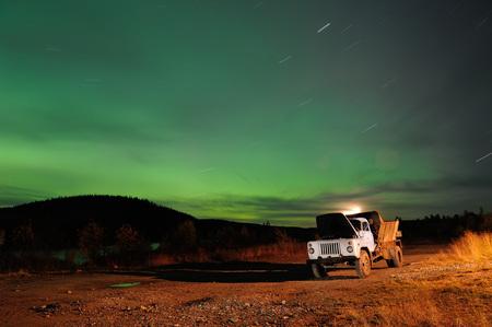 dream car: Aurora boreal en los urales subpolares Foto de archivo