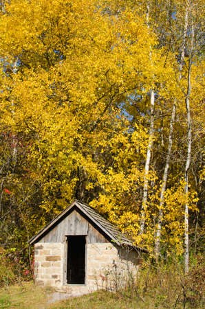 natural bridge state park: Small cabin at the Whitetail Hiking Trail in Natural Bridge State Park, Wisconsin