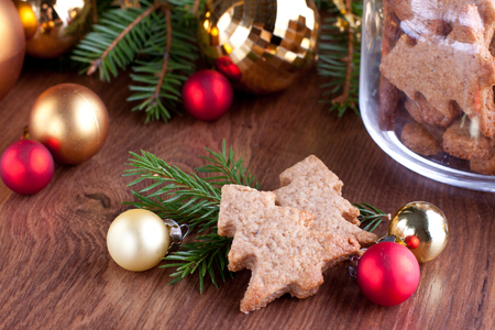 Festive Christmas decoration with sweet gingerbread cookies Stock Photo - 23211702