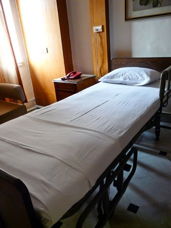 Made hospital bed in a private room Stock Photo - 2650920