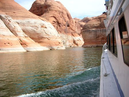 cruising:    cruising on lake powell       Stock Photo