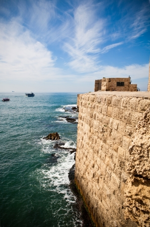 acre: Old City of Acre surrounding wall with the mediterranean sea at the bottom