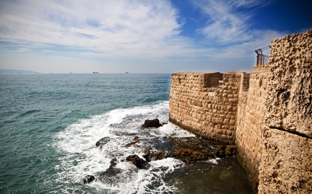 acre: Old City of Acre surrounding wall with the mediterranean sea at the bottom in the Haifa Bay Stock Photo