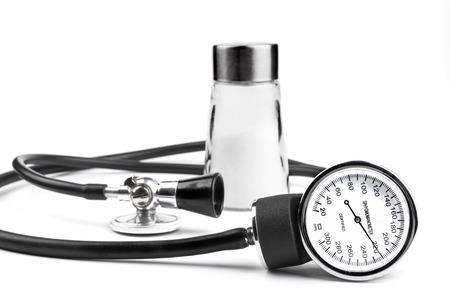sal: Herramientas de Salt una presi�n arterial aislada en el fondo blanco