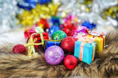 green christmas lights: gift box for Christmas tree decorations