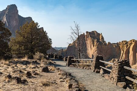 One of the hiking trails through Smith Rock State Park Stock Photo