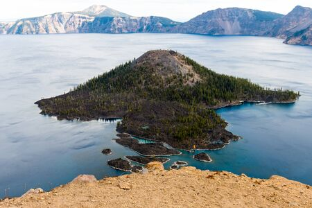 Views of Wizar Island from The Watchman lookout point in Crater Lake, Oregon, USA Banco de Imagens