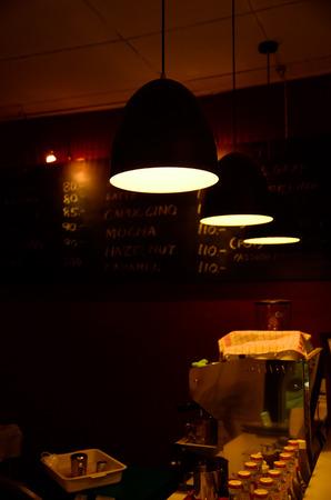 night  counter bar 版權商用圖片