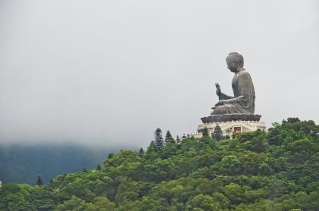 big buddha: Tian Tan Buddha - the world s tallest outdoor seated bronze Buddha in Hong Kong