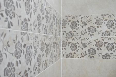 Roses Bathroom tile wall