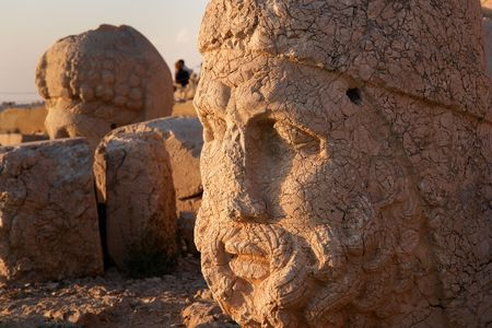 monumental: Turkey - Monumental god heads in Nemrut Mountain