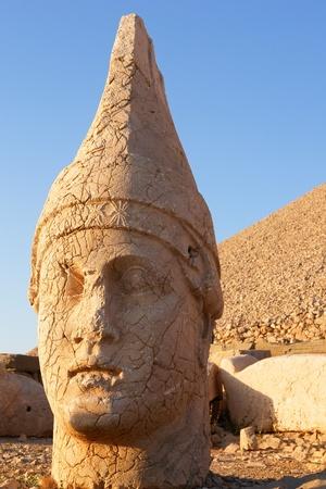 monumental: Monumental god heads in Nemrut, Turkey