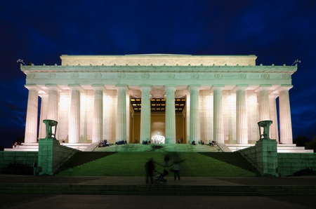 abraham lincoln: Abraham Lincoln Memorial in night, Washington DC USA