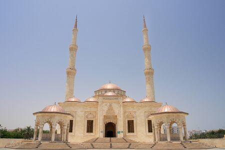 sultan: Muscat Oman Sultan Taymoor Mosque