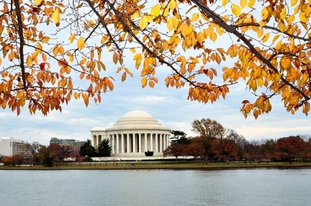 thomas: Washington DC - Thomas Jefferson Memorial in Autum
