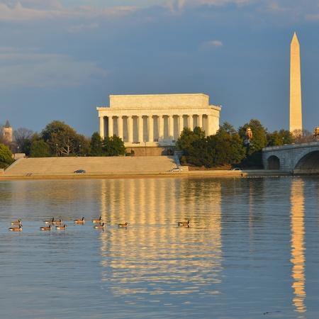 lincoln: Washington DC - Abraham Lincoln Memorial, Monument and Arlington Bridge on Potomac River