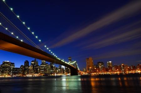New York City, Pont de Brooklyn et de Manhattan la nuit