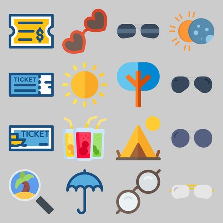 icon set about Beach And Cumping. with glasses, drink and spotlight