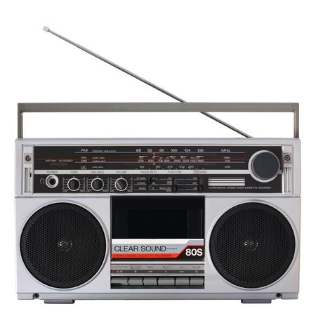 equipo de sonido: De radio boombox retro aislado en blanco