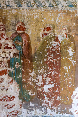 the remains of the painting of the walls of the temple, the village of Grudevo, Kostroma region, Russia, built in 1801 Banque d'images
