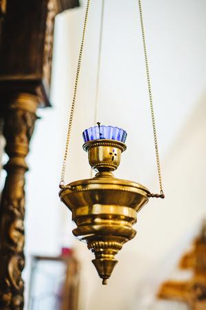 ? Hurch Kerze für Meditation und Gebet. Standard-Bild