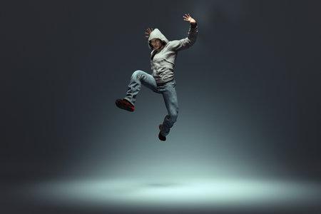 ポーズを打つ男ジャンプします。これは 3 d レンダリング図です。