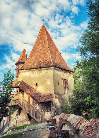 靴屋のタワーは中世都市 - 1681 に建てられたルーマニアのシギショアラで最も古い建物の一つ 報道画像