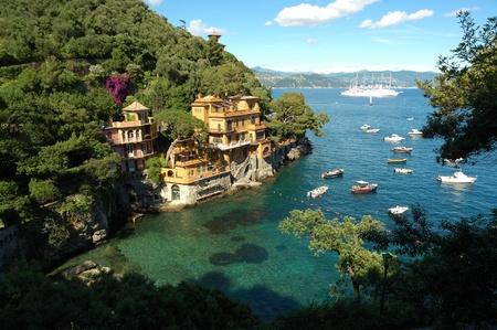 paisaje mediterraneo: Una bahía cerca de Portofino