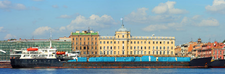 lieutenant: St. Petersburg, the ship with a cargo of timber berth at the Lieutenant Schmidt Embankment