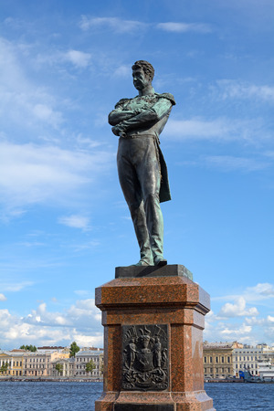 lieutenant: Monument to Admiral Krusenstern, the first Russian privately around the world on the embankment of Lieutenant Schmidt