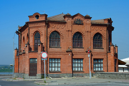 eclecticism: Tomsk, the ancient building of the restaurant Slavianski Bazaar
