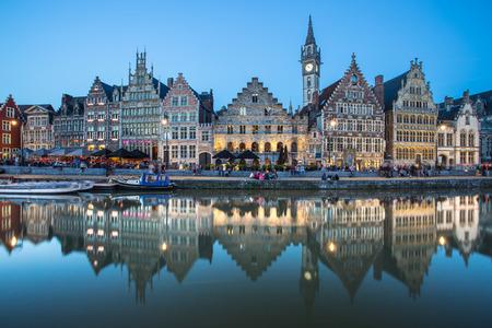 Voyage Belgique médiéval européen ville de la ville de fond avec canal Gand, Belgique