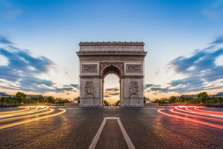 Paris, Champs-Elysées la nuit. Banque d'images