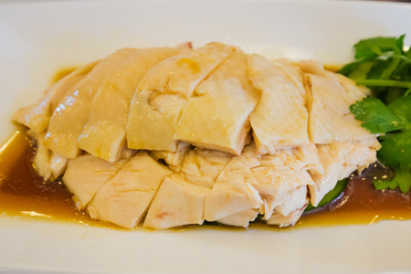 Singapore Hainanese steamed chicken rice. Imagens