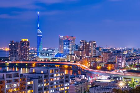 The cityscape of Hakata at twilight in Fukuoka, Japan. Foto de archivo