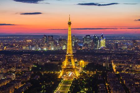 Paris, France - 14 mai 2014: Vue panoramique de la Tour Eiffel dans la nuit. Il a été nommé d'après l'ingénieur Alexandre Gustave Eiffel. Banque d'images - 46766810