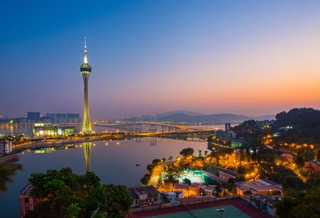 Paysage urbain de Macao Tour la nuit en Chine. Banque d'images - 47085079
