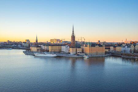Beau ciel à Skeppsbron dans la ville de Stockholm, en Suède.