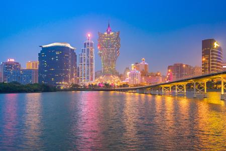 Nam Van Lake avec la ville de Macao en Chine.