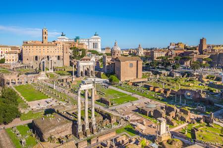 Vue aérienne du Forum romain ou Foro Romano à Rome, en Italie.